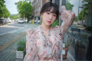 VOL.247 [ARTGRAVIA] 姜仁卿 - 花裙少女的诱惑超高清写真图片