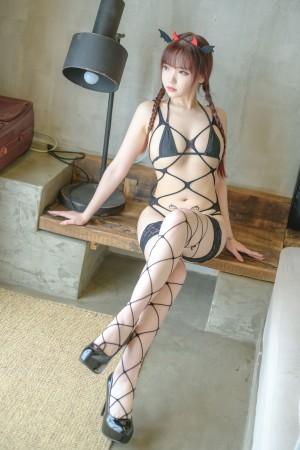 VOL.1286 [网络美女]COSPLAY网袜:雪晴Astra(COSER雪晴Astra)超高清写真套图(50P)