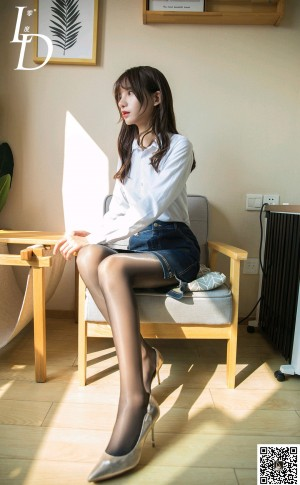 VOL.1557 [LD零度]黑丝白领丽人:紫薇超高清写真套图(50P)
